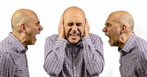 Gejala Skizofrenia dan Gangguan Skizoafektif Mereka yang menunjukkan gejala penyakit